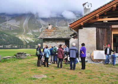 AmAMont besucht zwei seiner Mitglieder auf der Maiensäss/Alp des Lej da Segl zwischen Engadin und Bergell